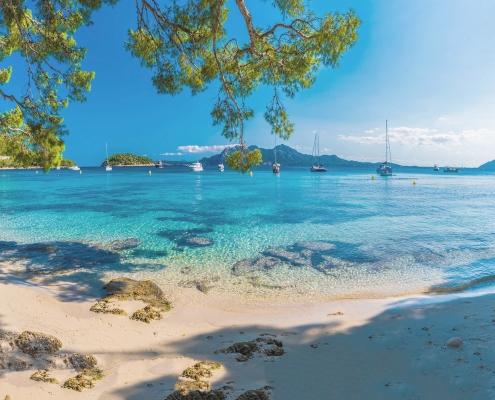 beach in mallorca - samsara healthy holidays