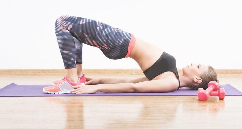 5 ejercicios para tonificar los glúteos - samsara healthy holidays
