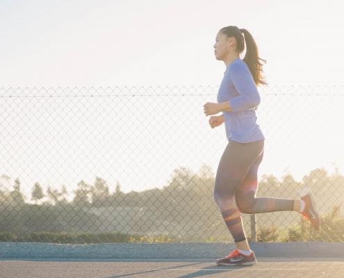 woman running - samsara healthy holidays