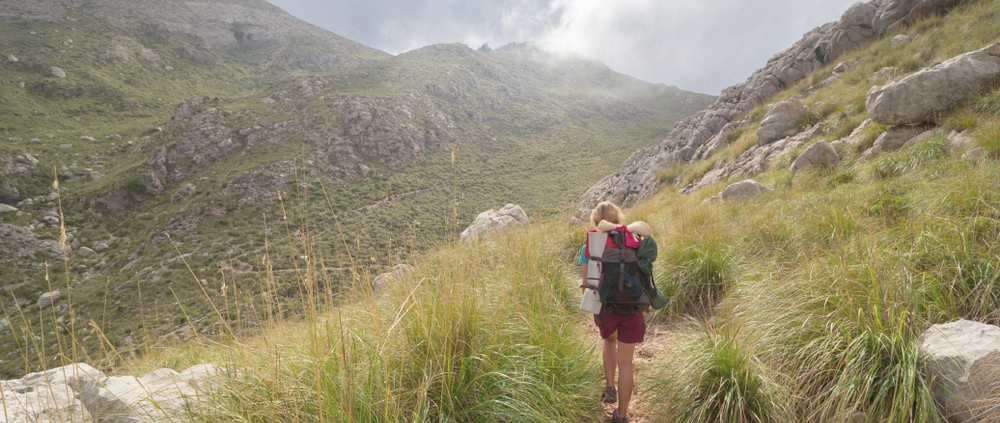 hiking in mallorca - samsara healthy holidays